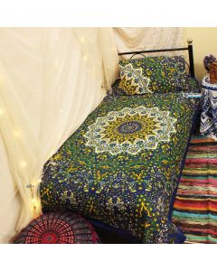 Yuva Twin Duvet Cover With Pillow Set