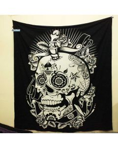 Black and White Skul Large tapestry