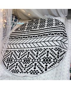 White and Black Cool Round Blanket